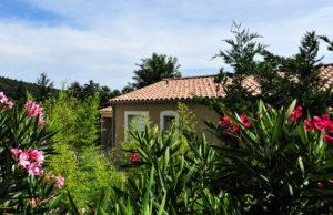 Villa extérieur jardin et piscine privative à Sampzon
