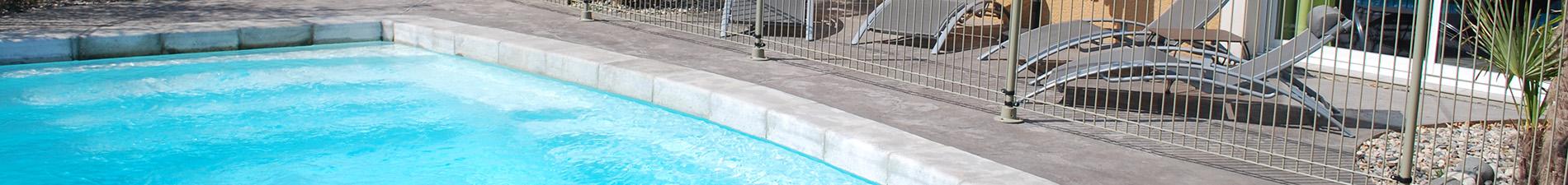 Piscine de résidence de villas à louer en Ardèche Blue Hills Résidence